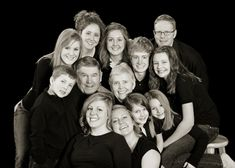 Beautiful large family photograph from Boise's best family portrait photography studio, b photography