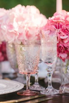 A beautifully delicate blush pink glass with a vintage detailing perfect for any reception table. Compliments golds, whites, pastels and neutral colour palates. Pair with our gold cutlery for a truly beautiful finish. #blushpinkgoblet #weddingstyling #luxurytablescapes #pinkwedding #colouredglassware #weddinghire Image by http://www.hannahduffy.com