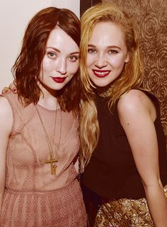 Emily Browning & Juno Temple   :)