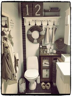 BATHROOM Rattan & White