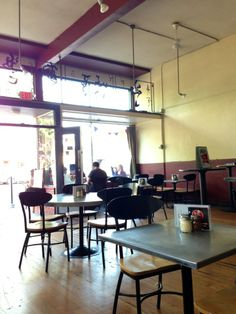 With several locations in the East Bay, Lanesplitters is a tasty spot to grab a slice and a pint. They offer a handful of house brews and dependably good pizza and salads.