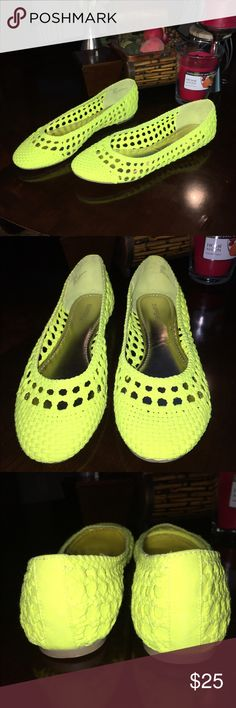 PRICE DROP $15 XAPPEAL FLATS XAPPEAL NEON YELLOW WOVEN FLATS NEW WITHOUT TAGS SIZE 11M XAPPEAL Shoes Flats & Loafers