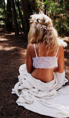 I like the idea of a nature/hippie inspired boudoir shoot.