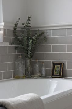 Awesome Bathroom Tile Design Inspirations & Ideas for Your Home — Fres Hoom Best Bathroom Tiles, Bathroom Tile Designs, Bathroom Ideas, Master Bathroom, Cloakroom Ideas, Attic Bathroom, Grey Bathrooms, Cologne, Blue Shelves
