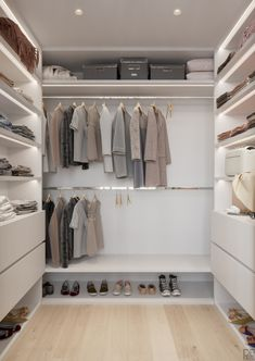 Wardrobe Room, Wardrobe Design Bedroom, Master Bedroom Closet, Closet Renovation, Closet Remodel, Bedroom Cupboard Designs, Bedroom Cupboards, Walk In Closet Design, Closet Designs