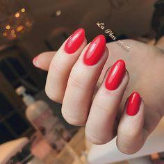 Het is bijna Valentijn! Vanaf nu tem 14 februari krijgt iedereen die de kleur rood kiest een E-manicure twv €10 gratis! ❤️