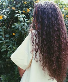 200 Likes, 4 Comments – Long Curly Hair (Long Cheng.curly_hair) on Insta … – Haarschnitt Ideen - BeautyTime Permed Hairstyles, Pretty Hairstyles, Hairstyle Men, Funky Hairstyles, Wedding Hairstyles, Formal Hairstyles, Braided Hairstyles, Curly Hair Styles, Natural Hair Styles