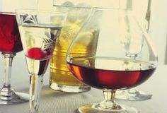 Holiday Recipes: Winter-Themed Cocktails - Rue Now Pumpkin Martini, Drink Specials, Holiday Cocktails, Winter Theme, Cocktail Recipes, Night Life, Holiday Recipes, Peppermint, Red Wine