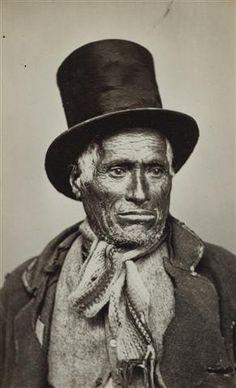 Maori man in top hat - Collections Online - Museum of New Zealand Te Papa Tongarewa Maori People, Maori Art, Vintage Photographs, Ancient History, Historical Photos, Hats For Men, Old Photos, New Zealand, North America