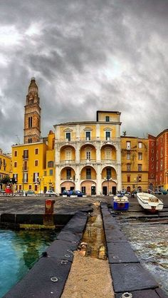 Venice, Italy, architecture and adventurous skies on my dream vacation #monogramsvacation