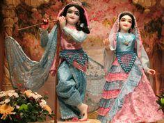 Radha Krishna Wallpaper, Lord Krishna Images, Radha Krishna Pictures, Radha Krishna Photo, Krishna Photos, Hare Krishna, Photos Of Lord Shiva, Radha Kishan, Laddu Gopal Dresses