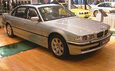 BMW 750iL (E38) Bmw E38, Bmw 7 Series, Bmw Cars, Car Garage, Muscle Cars, Vehicles, Beautiful, Short Throw Projector, Garage