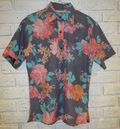 Vintage Men's Hawaiian Aloha Shirt Short Sleeves by retrosideshow
