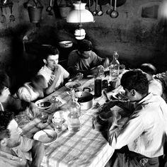"""Nino Migliori Foto tratta da """"Gente dell'Emilia"""" 1957 Bologna, Archivio fotografico Nino Migliori"""