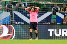 Slovenia 2-2 Scotland: Tartan Army's World Cup dream up in smoke as Strachan's men blow lead in Ljubljana.Two set-piece goals ended Scotland's World Cup dream following a 2-2 draw in Slovenia after a Leigh Griffiths strike had put them 45 minutes from a play-off place.  www.ae6688.com