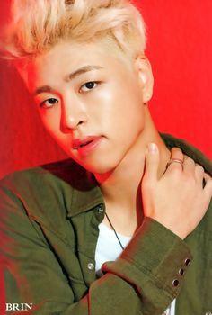 iKON Junhoe Welcome Back 'Half Album' Photobook © BRIN Kpop, Lee Hi, Koo Jun Hoe, Hip Hop, Jay Song, Ikon Debut, U Kiss, Kim Hanbin, 2ne1