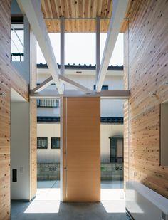 container-design-tokushima-hako-megane-house-japan-designboom-02