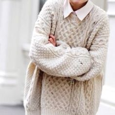 Oversized knit with peaking collar <3