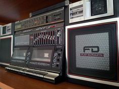 Vintage Cassette Deck and Boombox - Nakamichi and other: Repair - Exploitation - Adjusting - Photo
