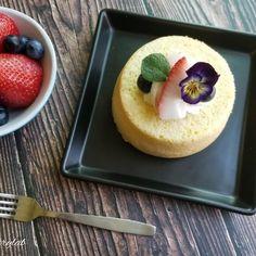 0 個讚好,0 則回應 - Instagram 上的 Joannie Chan(@joannie_chan):「 Sponge cake 🥰 # homebaked #spongecake #dessert #afternoontea  #海綿蛋糕  #甜點  #markhamcakes 」 Panna Cotta, Cheesecake, Pudding, Ethnic Recipes, Desserts, Food, Tailgate Desserts, Dulce De Leche, Deserts