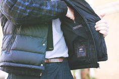man-street-style-guy-fashion-blogger-trends-2014-2015-fall-winter-15-shirt-jacket-tommy-hilfiger-tommy-fall-14-moon-heritage-collection-guess-blue-pants-brown-shoes9.jpg (1280×853)