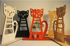 stojánek na šperky - kočka menší červená