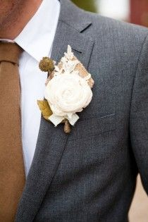 Weddbook ♥ DIY burlap and lace boutonniere for rustic wedding. Diy boutonniere for groom. Brown necktie and dark gray suit. Wedding Groom, Wedding Suits, Wedding Attire, Rustic Wedding, Our Wedding, Dream Wedding, Wedding Burlap, Lace Wedding, Firefly Wedding