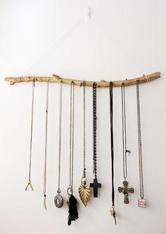 DIY Jewelry Display Branch    followpics.co