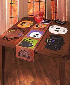 Halloween Table Runner and 4 Placemats Collection 5 Pc Set