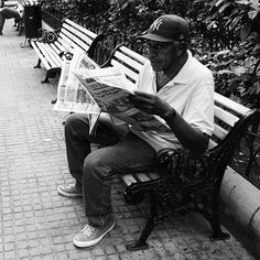 One of those shots. I just love those random moments. I took this picture last week in Cartagena in Colombia. #photo #photography #candidphoto #candid #blackandwhite #portrait #inspiration #creative #streetphotography #nature #street #random #real #people #colombia #cartagena