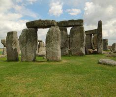 Stonehenge, prehistoric monument in Wiltshire, England.