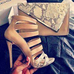 😍😍 Wet Pants, Peep Toe, Wedges, Shoe, Heels, Bags, Fashion, Heel, Handbags