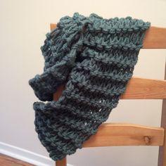Hand knit infinity scarf, teal. Knits, Hand Knitting, Infinity, Teal, Crochet, How To Make, Fashion, Moda, Infinite