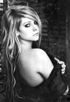 Avril Lavigne - seductive