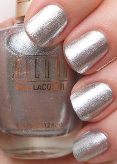 silver nails  nail art www.finditforweddings.com