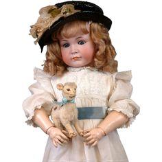 #Rubylane www.rubylane.com #vintage #vintagebeginshere Child Size 32 Kammer & Reinhardt 117A Mein Liebling Closed Mouth Pouty!