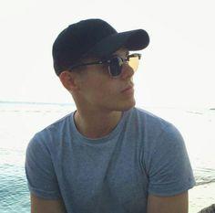 zabdiel de jesus ♡ Puerto Rican Men, Guy Names, Dream Guy, My King, Music Is Life, Mens Sunglasses, Guys, My Love, Instagram Posts