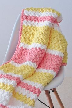 Baby Blanket Crochet 79660 Try this easy and quick striped afghan free crochet pattern. This fast baby blanket will only take few hours and is great for a last minute gift. The textured stitch pattern is simple and perfect for beginners. Crochet Afghans, Crochet Baby Blanket Free Pattern, Bernat Baby Blanket, Blanket Yarn, Free Crochet, Baby Afghans, Crochet Baby Blanket Patterns, Crochet Baby Blankets, Striped Crochet Blanket