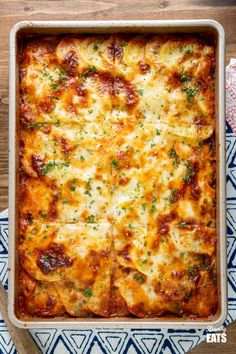 Mediterranean Layered Bake - delicious layers of potato, aubergine, peppers and courgette topped with a cheesy white bechamel style sauce. Slimming World Vegetarian Recipes, Tasty Vegetarian Recipes, Slimming Recipes, Vegetarian Dinners, Vegetable Recipes, Savoury Recipes, Cheese Recipes, Savoury Bakes, Veggie Dinners