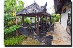 BBQ huis met derde eettafel, een gezellige plek om te barbeque-en en te chillen bij vakantie huis villa lovina beach bali indonesie