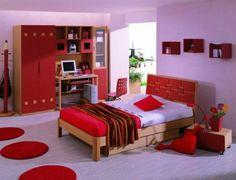 Stunning schlafzimmer farbideen rot und lila zusammenbringen interessante regale an der