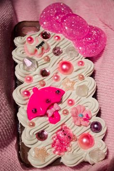 Decoden iphone 4/4S Case 2 by ~Araelyn on deviantART