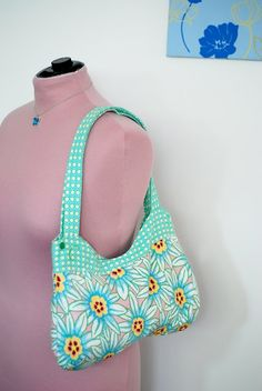Free Curvy Bag Sewing Pattern & Tutorial by Clara Gonzalez
