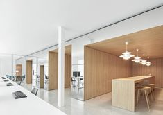 Dynamic, responsive and nurturing: Dive into today's workplace - News - Frameweb