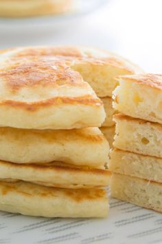 Make delicious fluffy pancakes from scratch. This recipe uses 7 ingredients you . - Make delicious fluffy pancakes from scratch. This recipe uses 7 ingredients you … – Make delic - Breakfast Dishes, Breakfast Recipes, Old Fashioned Pancake Recipe, Pancakes And Waffles, Fluffy Pancakes, Pancakes From Scratch, Homemade Pancakes, Dessert Bread, Savoury Cake