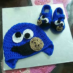 Cookie monster crochet beanie & booties