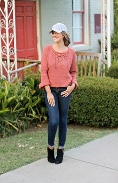 Sweater & A Cap - Lex What Wear #fashionblogger #styleblog #nashvillestyle #fallfashion #fallstyle #falloutfit #outfitideas #outfitinspiration #styleideas #blogger #bloggerstyle #fall #nashville #outfit