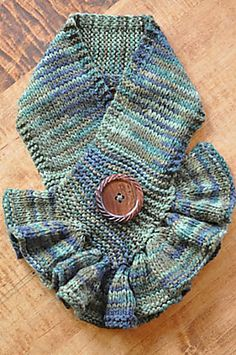 Ravelry: Cute Ruffled Neck Warmer pattern by Fact Woman from Mod Knits
