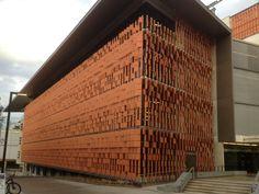 Advanced Engineering Building, The University of Queensland - Shildan Group Shildan Terracotta Rainscreen Facade