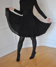Black Chiffon Pleated Full Circle Knee Skirt - Pin up, retro, Wedding Hairstyles, Pin Up, Tulle, Chiffon, Hair Accessories, Trending Outfits, Lace, Skirts, Vintage